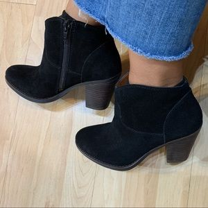 Lucky Brand Shoes - Lucky brand ankle booties 6M/36